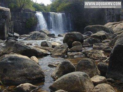 Lunzua Waterfall, Mpulungu - medium.13500331.jpg.dae4ee45de8db417bf7c0fd2703211a1.jpg